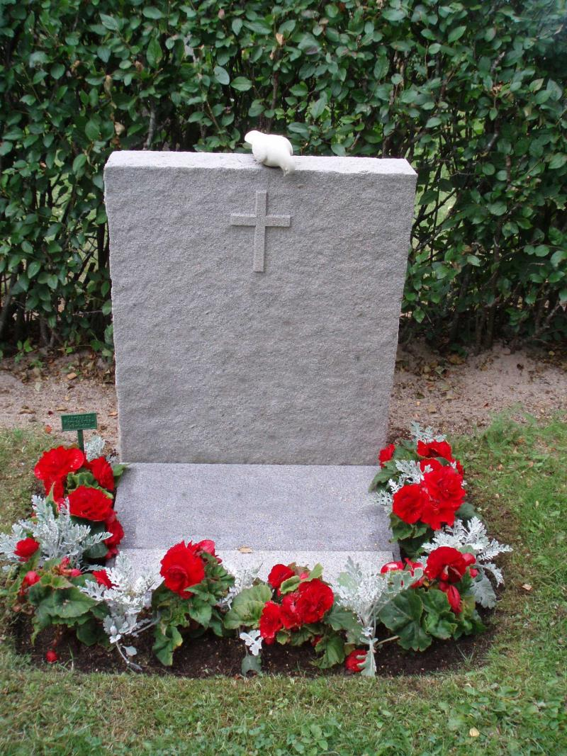 höstblommor på graven