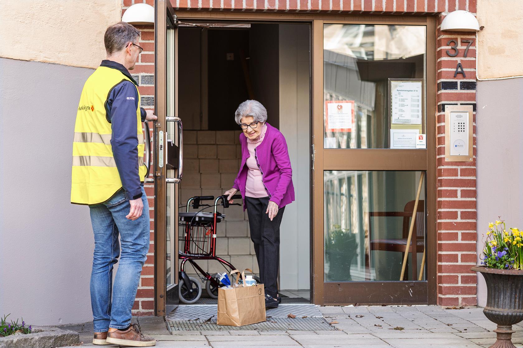 äldre kvinna som söker en manlig vän växjö kåta kvinnor som söker män i ackas att knulla med omedelbart