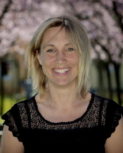 Casmira Sderlund, 58 r i Vrbacka p Stavdervgen 6