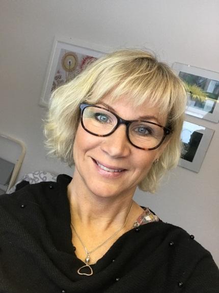 Lisa Mnsson, 63 r i Tollarp p Per Jgares vg 1 - adress