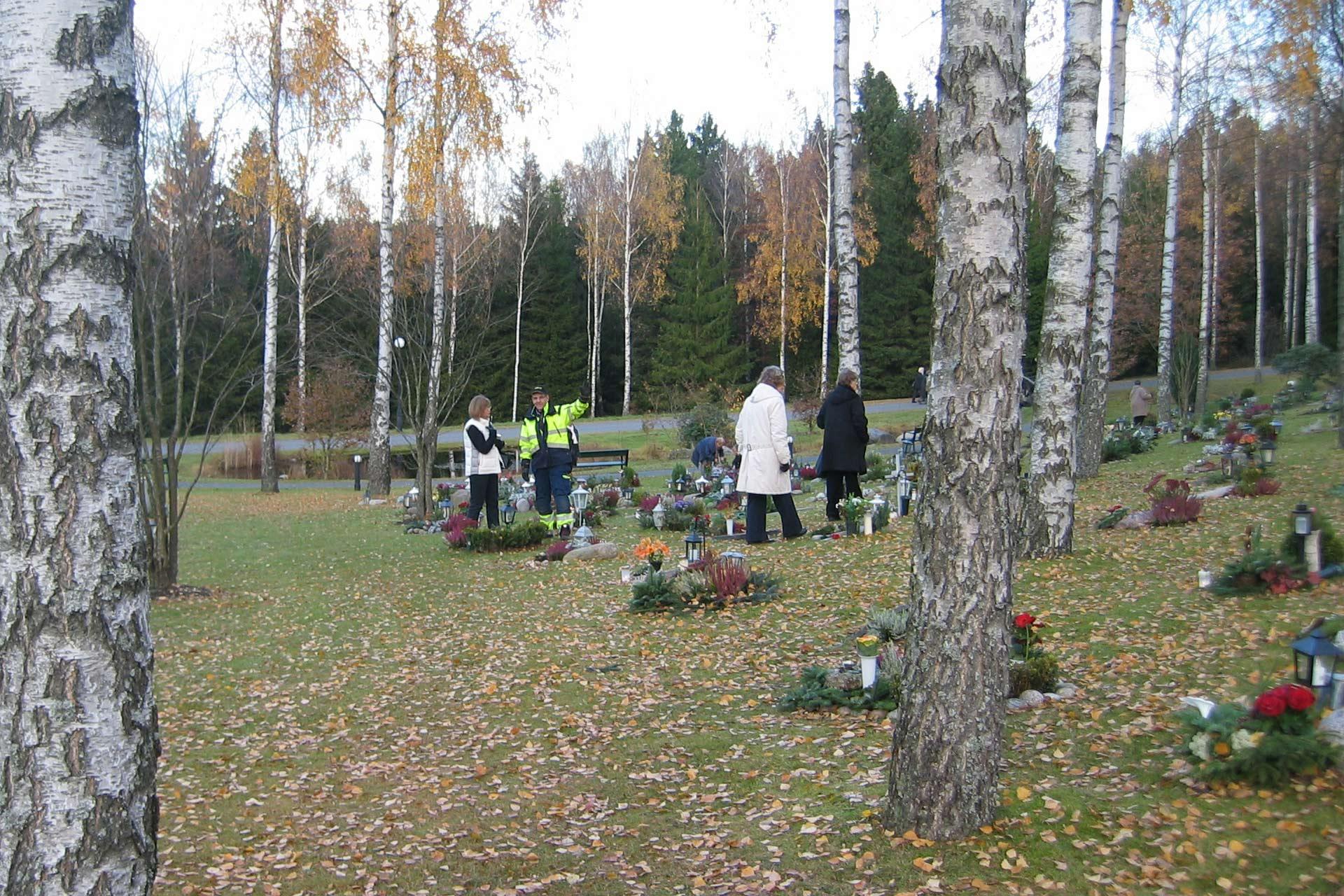 hitta graven skogskyrkogården